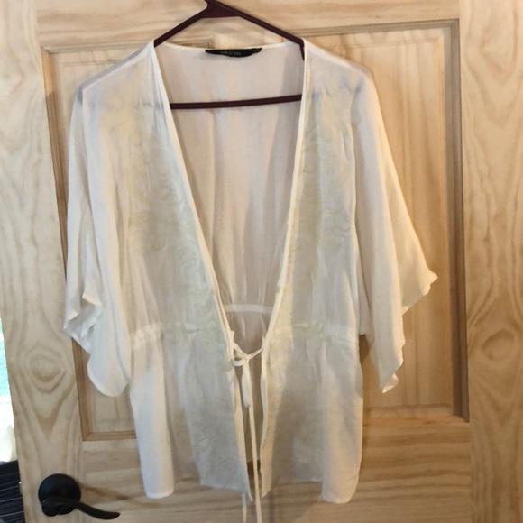 Ark & Co Tops - Chiffon ivory kimono with tie waist